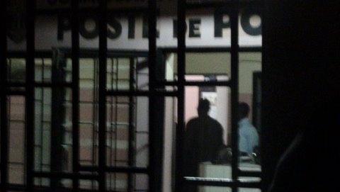 L'enseignant arrêté pour viol et pédophilie : Les élèves suspendent les cours et demandent sa libération