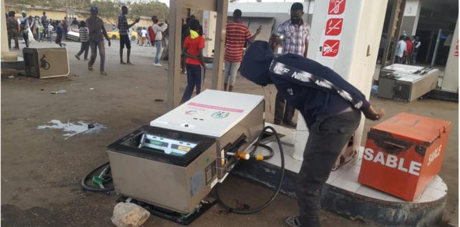Saccage de plusieurs stations-service: Risque de pénurie de carburant à Dakar
