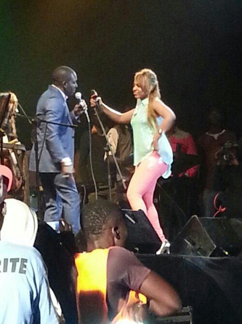 """Viviane dans une position de """"songma"""" de Mbaye Dièye Faye au Festival de Mbour!"""