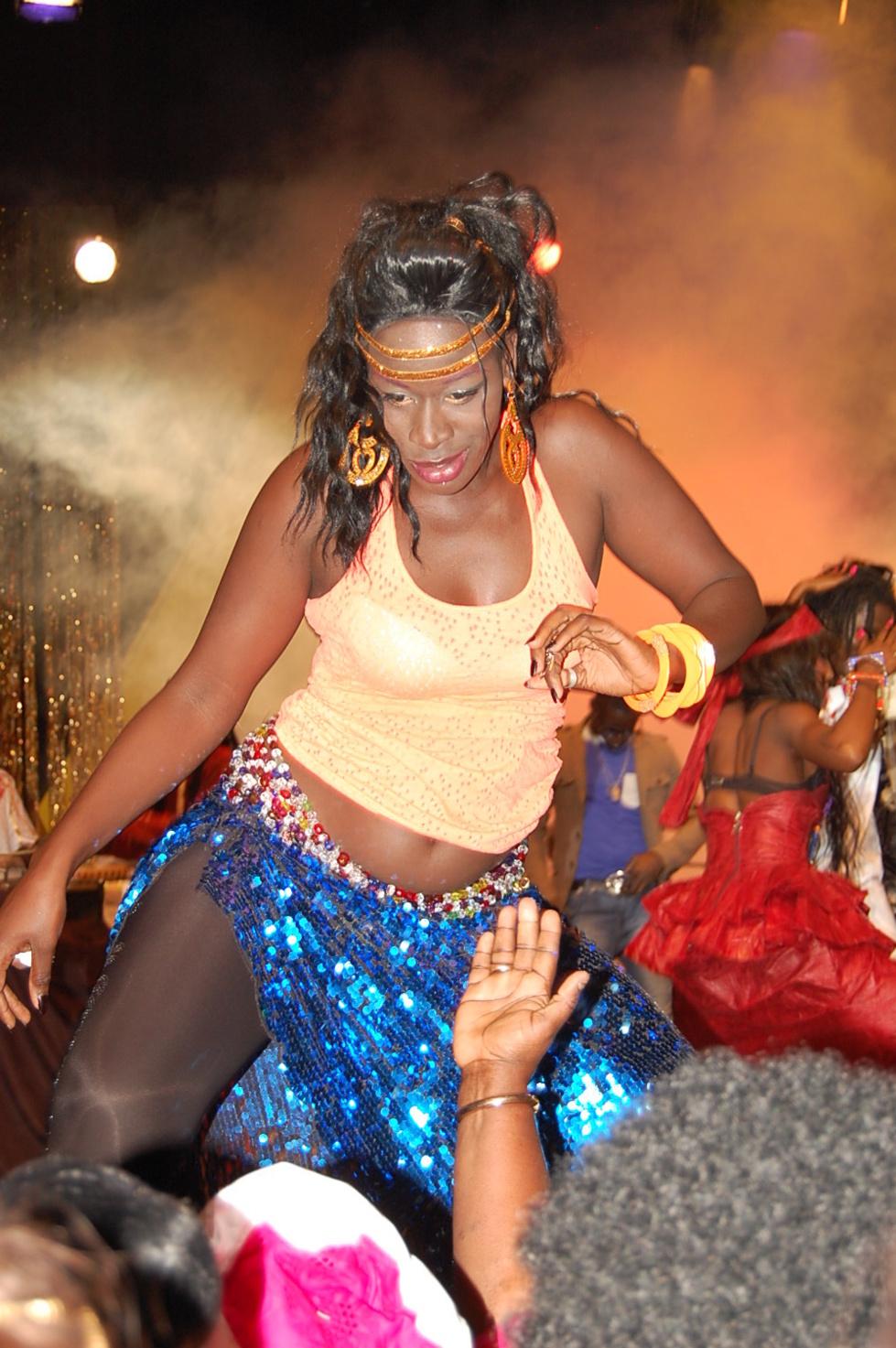 La danseuse de Ngoné Ndiaye Guéwel se déchaîne grave!
