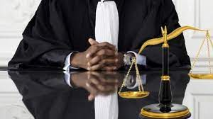 Procureur et la justice de deux poids, deux mesures: L'ancien PM Dionne fuit le débat