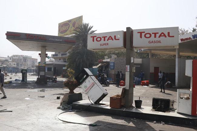 75 stations saccagées: Une pénurie d'essence et de gasoil écartée, rassure l'Etat