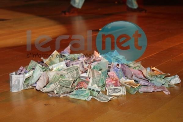 Distribution anarchique d'argent dans les festivités relayée par les médias: A quand la fin de la mascarade ?