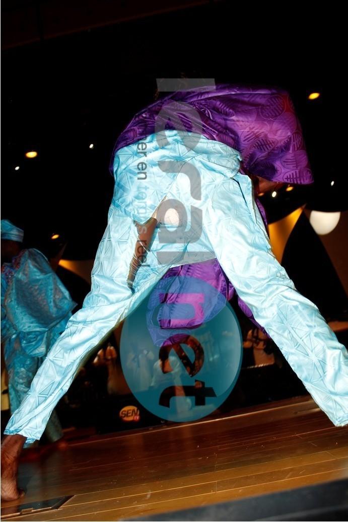 Le danseur Amady: son pantalon lui joue un mauvais tour