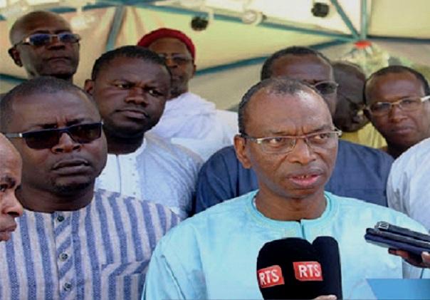 Manifestant tué par balle à Diaobé: La famille du défunt Sadio Camara reçoit 5 millions FCfa du ministre de l'Agriculture