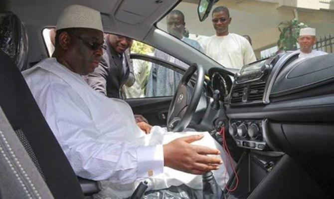 Macky Sall met fin à la bamboula: Désormais, les fonctionnaires vont réparer eux-mêmes leur véhicule, acheter le carburant, l'assurance