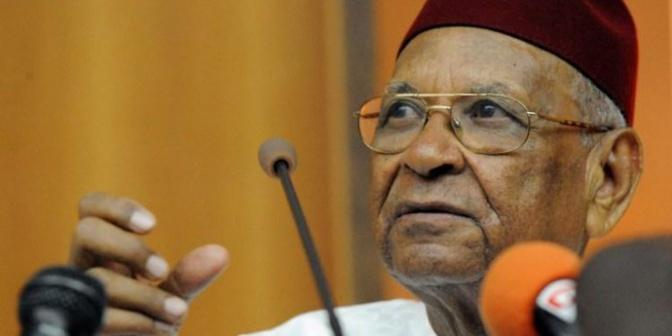 """""""Quelle mouche a piqué Adama Gaye pour qu'il s'en prenne à Amadou Mahtar Mbow"""" (Par Oumar Ndiaye)"""