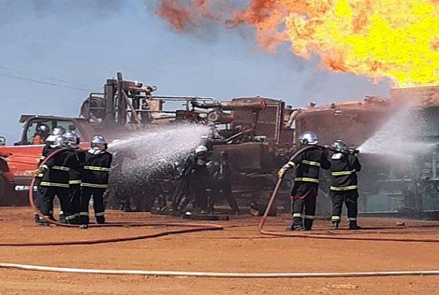 Soulagement: Des techniciens sénégalais maîtrisent le feu du puits gazier de Ngadiaga, sans l'armada américaine
