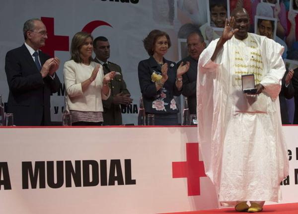 Le président de la Croix-Rouge sénégalaise reçoit la Médaille d'or de la Croix-Rouge espagnole à Malaga en Espagne