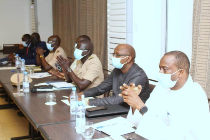 Port de Ndayane: Le DG Aboubacar Sadekh Bèye rencontre les autorités locales et rassure les populations