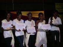 Louga : 90 bourses offertes à des jeunes collégiennes de Léona