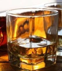 Treize fabricants clandestins de boissons alcoolisées arrêtés aux Parcelles Assainies