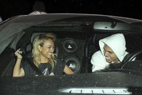 Karrueche Tran nue avec Chris Brown, que faire quand son ex ne veut pas partir ?