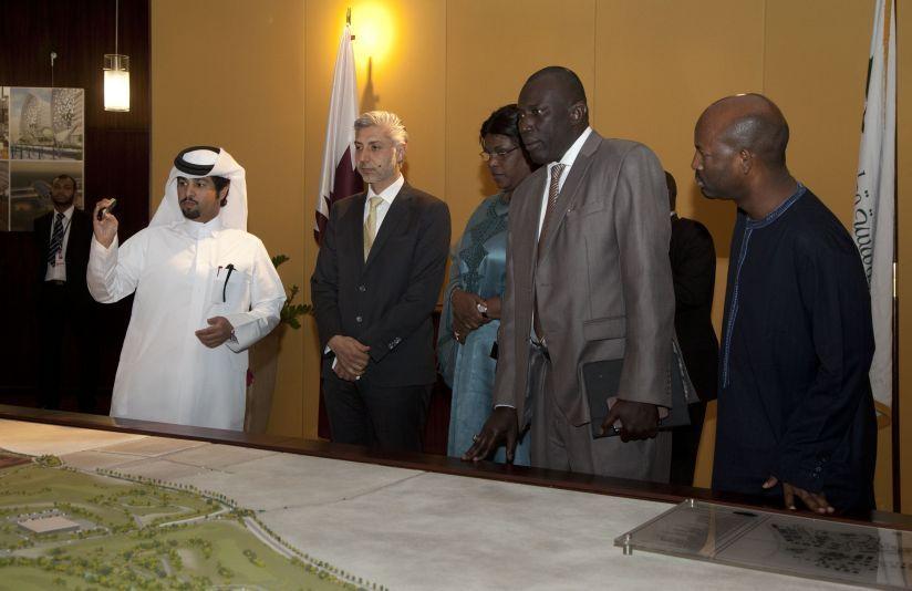 La première Dame Marème Sall visite l'une des plus grandes Fondations du Qatar