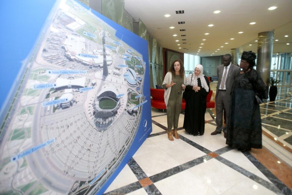 Marième Faye et la Première Dame du Nigéria visitent le complexe sportif Aspire de Doha