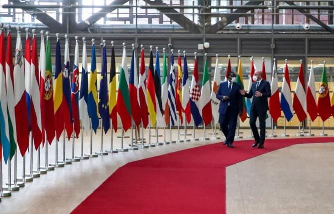 Le Sénégal bientôt producteur de vaccins anti Covid-19 : Macky Sall s'est entretenu avec Charles Michel le Président de l'UE