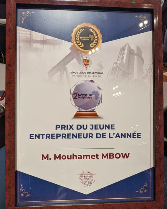 Mouhamet Mbow, sacré meilleur jeune entrepreneur du Sénégal de l'année