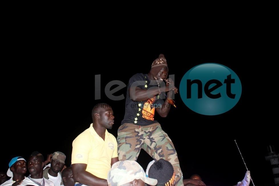 Caravane de Malick Niang: Le lutteur fêté les lébous de Dakar