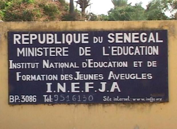 Les jeunes aveugles diplômés en chômage dans la rue lundi à Thiès : une marche nationale de protestation prévue