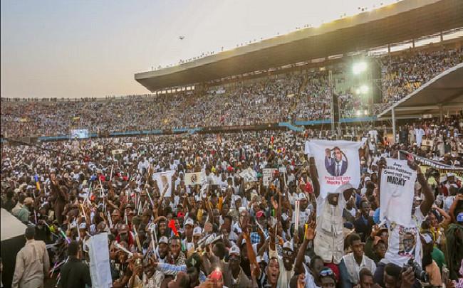 Mobilisations tous azimuts à coup de millions des pro Macky Sall: «Pure mise en scène», selon des activistes et acteurs de la société civile