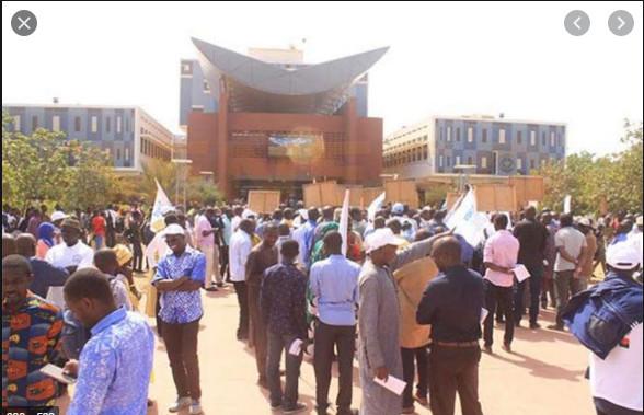 Violences à l'Université: Macky Sall hausse le ton et promet des changements