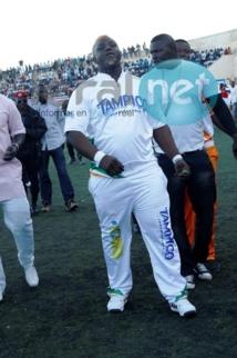 Dernières minutes : Balla Gaye 2 et son staff font leur entrée au stade Demba Diop