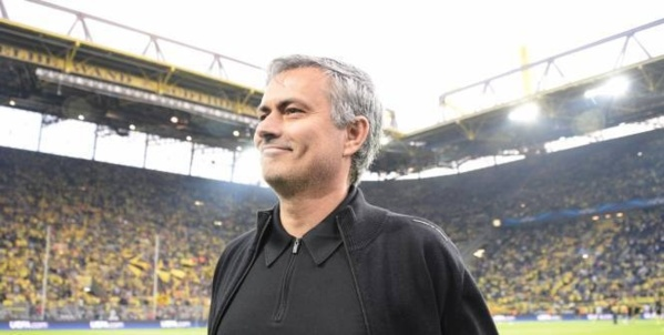 Chelsea: Mourinho s'engage 4 ans (off.)