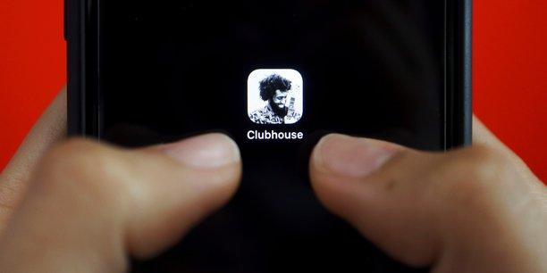 Réseaux sociaux : la vague Clubhouse est-elle en train de retomber ?