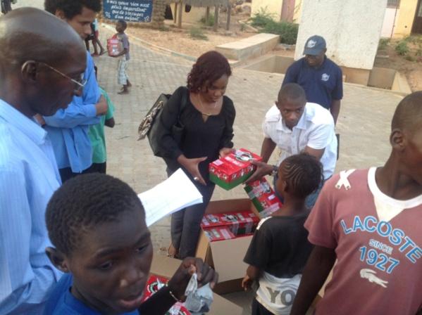 Remise de dons : Une action de solidarité initiée par Claire Cisse auprès d'enfants en situation difficile