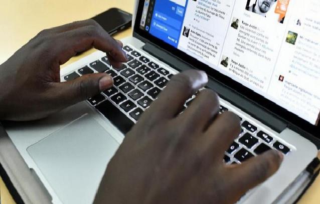 Cachés derrière des claviers pour « détruire des réputations »: Macky Sall vers une régulation très prochaine des médias sociaux