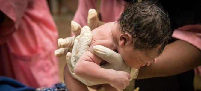 Insolite: Une Malienne donne naissance à des nonuplés (09 bébés) au Maroc