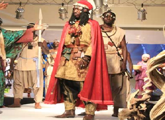 Eclairage sur le Damel de l'honneur, de la sagesse et de l'autorité :  23 années de règne, de Birima Fatma Thioub Fall, roi du Cayor-Baol