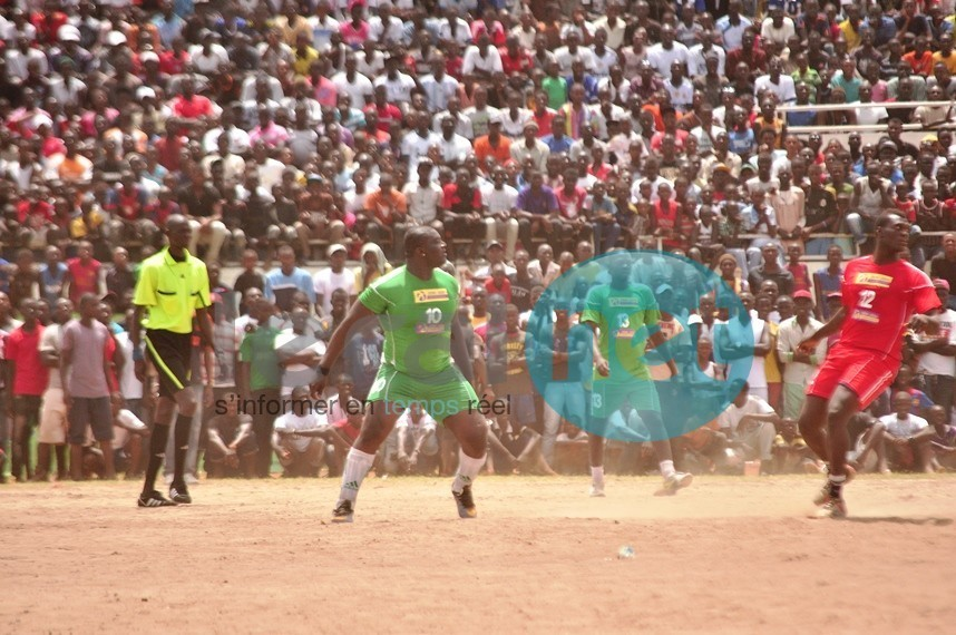 Match de foot entre lutteurs: Admirez la classe de Balla Gaye 2