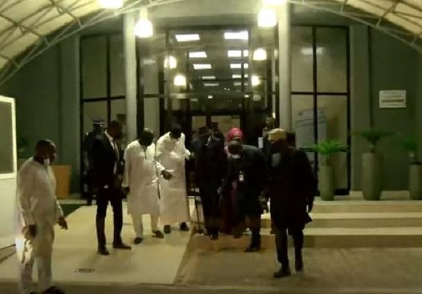 Retour effectif de Lamine Diack: Sa sortie du Salon d'honneur de l'AIDB en images