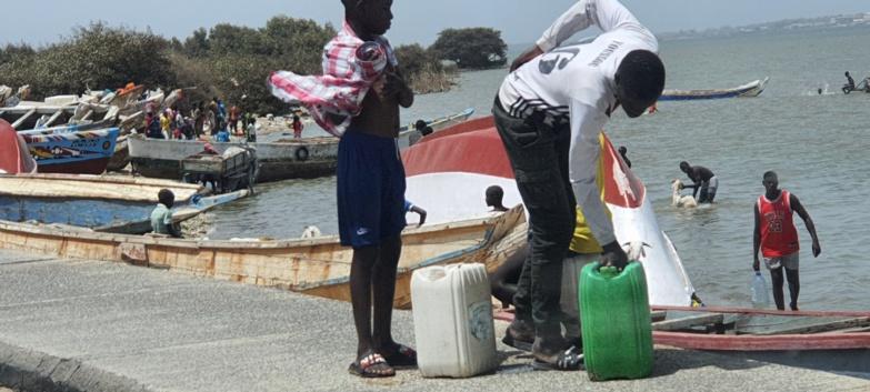 (PHOTOS)/Soif à Ndar: La grosse ruée vers le fleuve