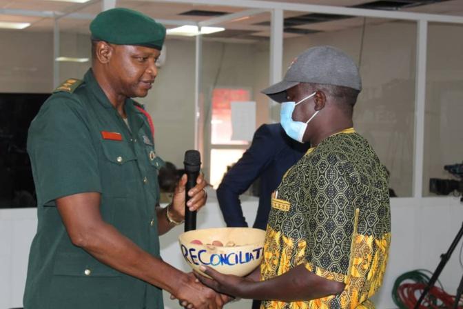 Gambie, l'après Yayha Jammeh: Les torturés et leurs bourreaux se réconcilient