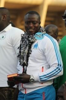 Le promoteur de lutte, Assane Ndiaye honore Luc Nicolaï