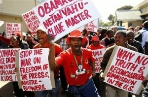 "Urgent : À Pretoria, "" "" No You Can't Obama "" siffle le Coup d'envoi des manifestations anti- Obama"
