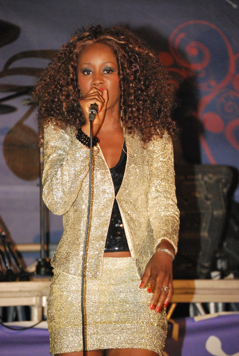 Photos exclusives du concert anniversaire de Queen Biz
