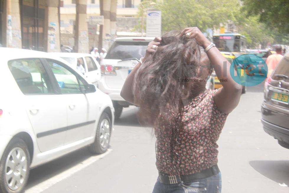 [Photos] Malmenée par les policiers, Fatou Thiam perd sa perruque