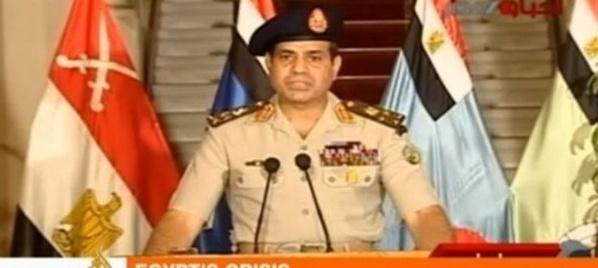 Égypte: l'armée écarte le président Mohamed Morsi, et présente sa feuille de route