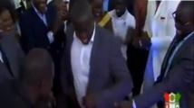 Vidéo: Malick Gackou, Balla Gaye 2,Birane Ndour, dans leurs œuvres pour le développement de Thiakhagoune. Regardez