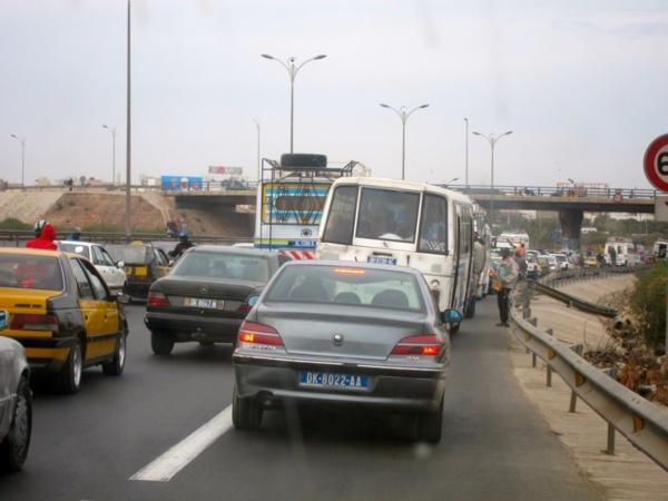 Lancement des travaux pour la réalisation d'auto-ponts aux carrefours de Thiaroye et Keur Massar