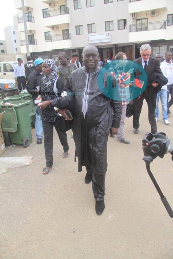 """Les avocats de Habré dénoncent les """"agissements"""" du Procureur Macké Fall et les """"basses œuvres"""" de Macky Sall et Idriss Déby"""