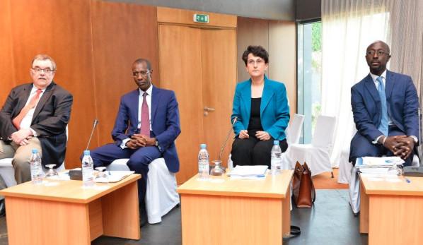 Le FMI accorde une aide de 650 millions de dollars au Sénégal ( Le Figaro )
