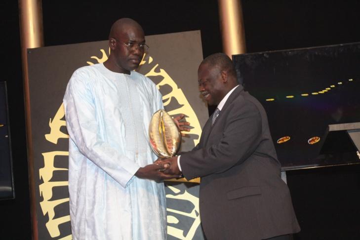 Mansour Ngom, DG de Gravu Pub Sénégal, présente ses condoléances à Leral