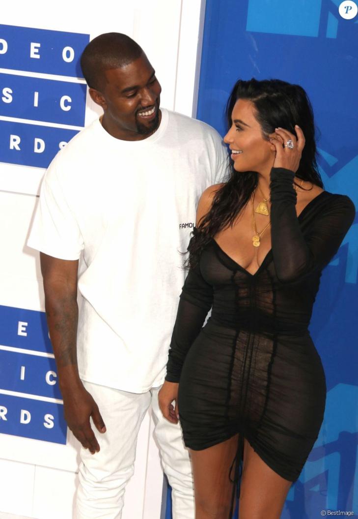Kanye West : Il a déjà remplacé Kim Kardashian... par un top model !