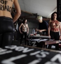 Les locaux des Femen à Paris endommagés par un incendie