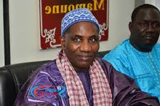 Retrouvailles avec Sada Ndiaye à Nguidjilogne: Un Mardi d'émotion pour Macky Sall