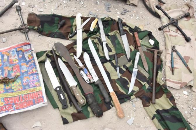 """Incroyable agression aux HLM: Près de 20 agresseurs armés de """"diassi"""", sèment la terreur et..."""